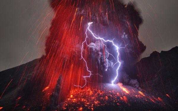 volcano_lightning-nasa